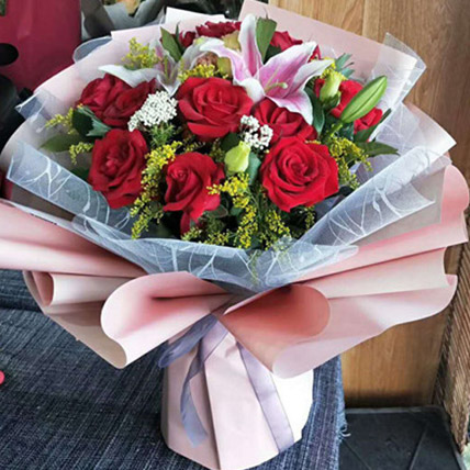 Beautiful Roses and Lily: Gifts To China