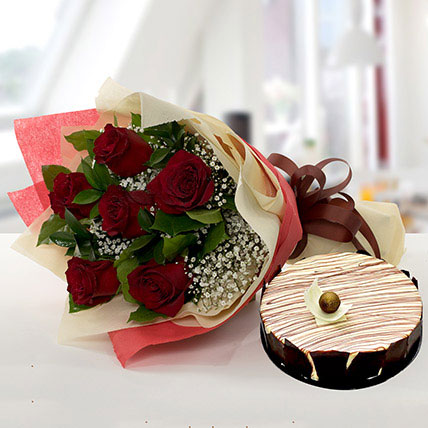 Enchanting Rose Bouquet With Marble Cake KT:
