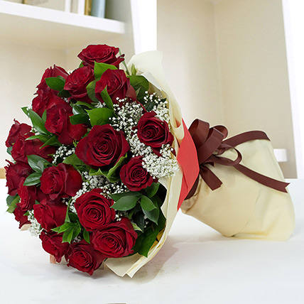 Lovely Roses Bouquet KT: Kuwait Flowers