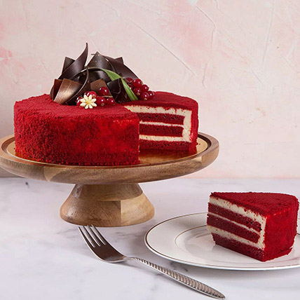 4 Portions Red Velvet Cake:  Gifts Delivery
