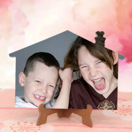 Appealing Personalized Photo Frame: Personalised Gifts Dubai