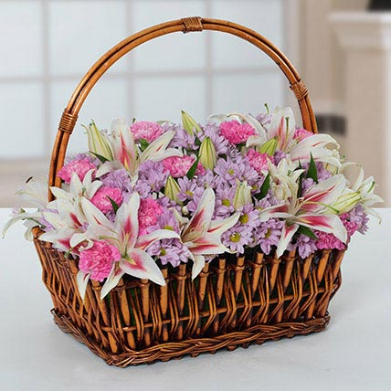 Attractive Flowers Basket: Anniversary Basket Arrangements