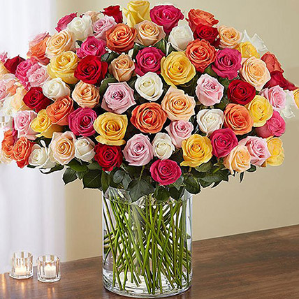 Bunch of 100 Mixed Roses In Glass Vase: