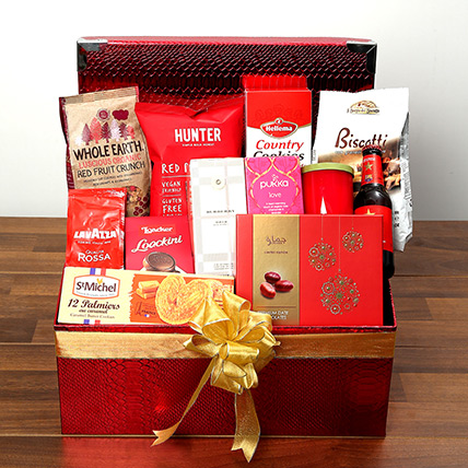 Chocolate and Flavored Tea Hamper: Valentine Day Gift Hampers for Him