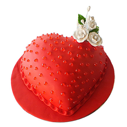 Classic Heart Cake: Valentine Day Cakes to Al Ain