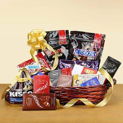 Galore of Happiness: Gift Hampers