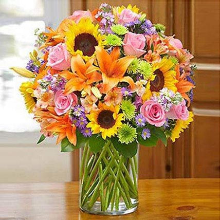 Garden of Grandeur: Flowers for Mothers Day