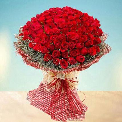 Grand 100 Red Roses: Hug Day Flowers
