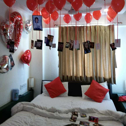 Personalised 25 Red Helium Balloons Decor:  Balloon Decorations