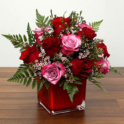 Red and Pink Roses In A Vase: Valentine Flowers for Boyfriend