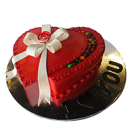 Red Infatuation Cake: Valentine Day Cakes to Ajman