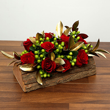 Red Roses In Wooden Base: Valentine Flowers for Boyfriend