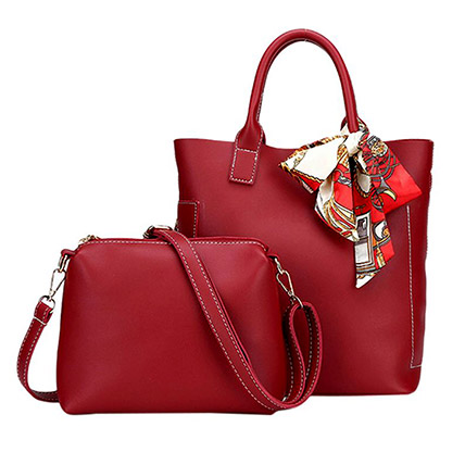 Set of 2 Red Bags: Accessories