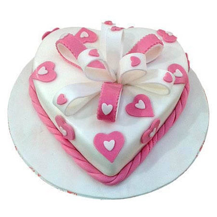 Soft Plush: Heart Shaped Cake Delivery