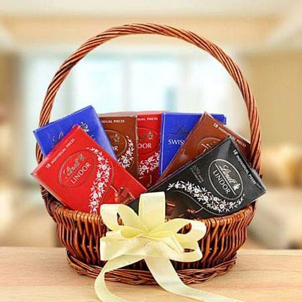 Delicious Delight: Gift Hampers