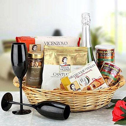 Cheers to Love: Gift Hampers