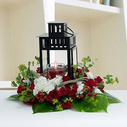 Ravishing Center Table Flower Arrangement: Thanksgiving Gift Ideas