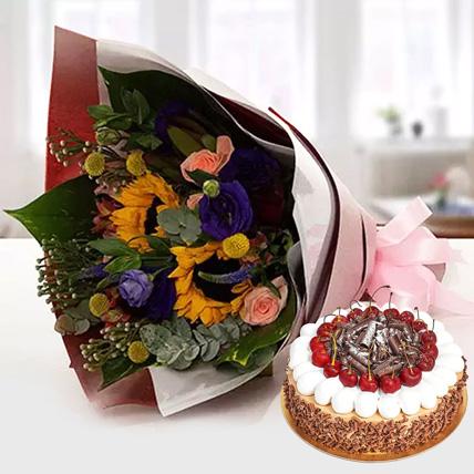 Alluring Flower Bouquet With Blackforest Cake: Karwa Chauth Flowers