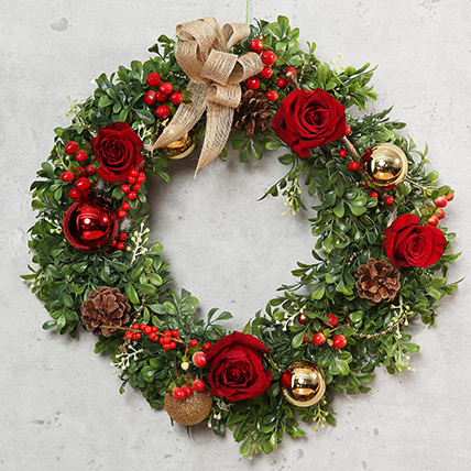 Green and Red Christmas Wreath: Christmas Wreaths
