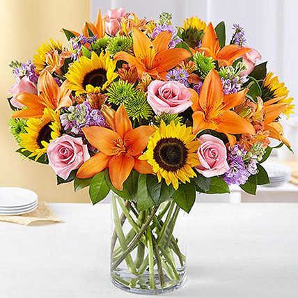 Vibrant Bunch of Flowers In Glass Vase: Chrysanthemum Flowers
