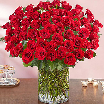 Ravishing 100 Red Roses In Glass Vase: Anniversary Gifts