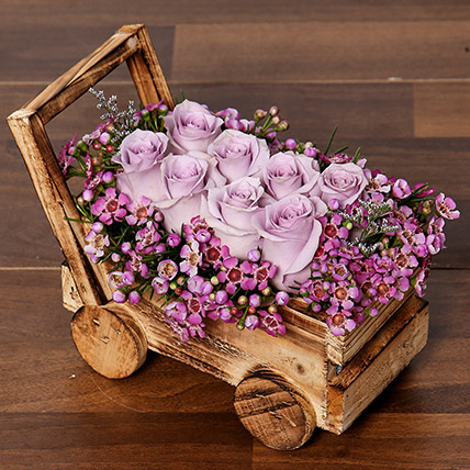 Elegant Purple Roses Arrangement: Roses Bouquet