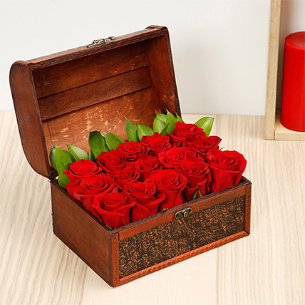 Treasured Roses: Love & Romance Flowers