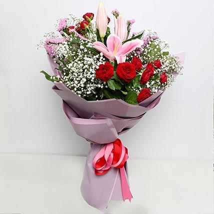 Enchanting Flower Bouquet: Bouquet of Flowers