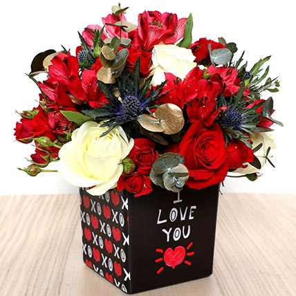 Love You Flower Vase: Valentine's Day Flowers