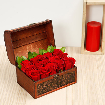 Red Roses Arrangement: Valentine Day Flowers to Al Ain