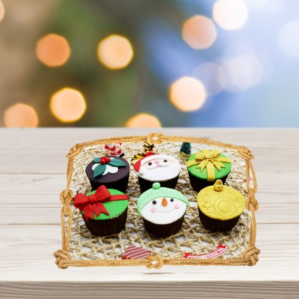 Assorted Xmas Themed Cupcakes: Xmas Cupcakes Dubai