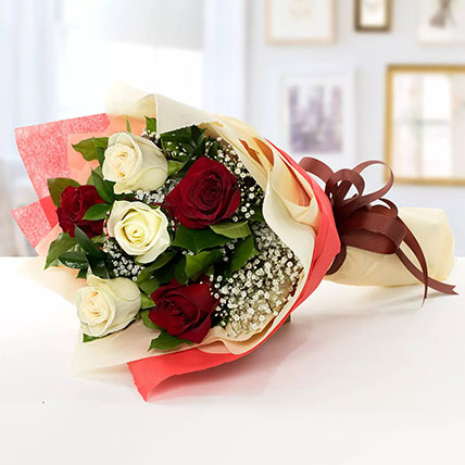 Beauty of Red n White Roses: Get Well Soon Flowers