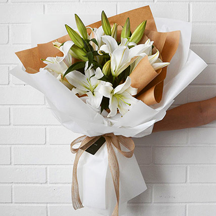 Beautiful Lilies Bouquet: Birthday Gifts
