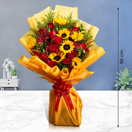 Grand Bouquet of Roses n Sunflowers: Premium Flowers