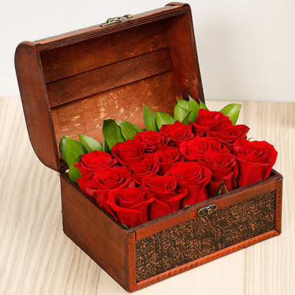 Treasured Roses OM: Flower Delivery Oman