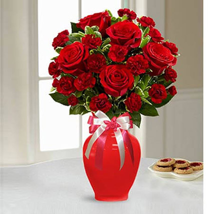 Sweethearts Bouquet OM: Flower Delivery Oman