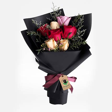 Delight Of Roses Bouquet: Send Gifts to Qatar