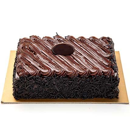 Chocolate Fudge Cake Half Kg: Cakes in Jeddah