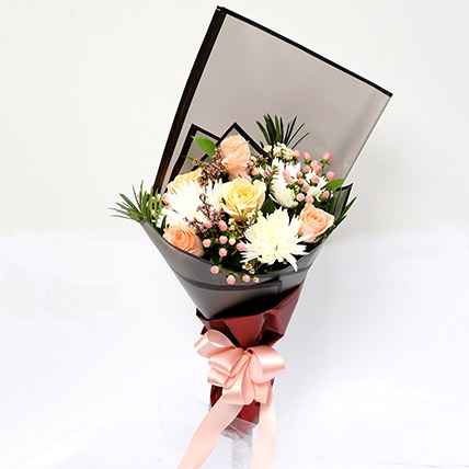Symphonious Roses and Delistar Mixed Bouquet SG: Gift Delivery Singapore