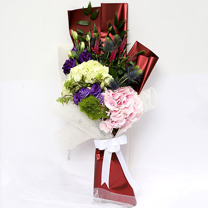 Wondrous Eryngium and Hydrangea Bouquet SG: Gift Delivery Singapore