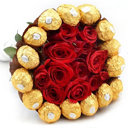 Bunch of Chocolates N Roses:  Gift Delivery In Sri Lanka