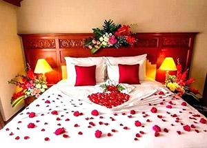 Bedroom Decoration Ideas for Wedding Anniversary Celebrations
