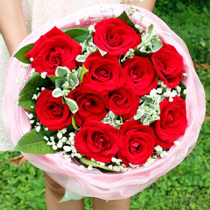 Love In Heart With Red Roses