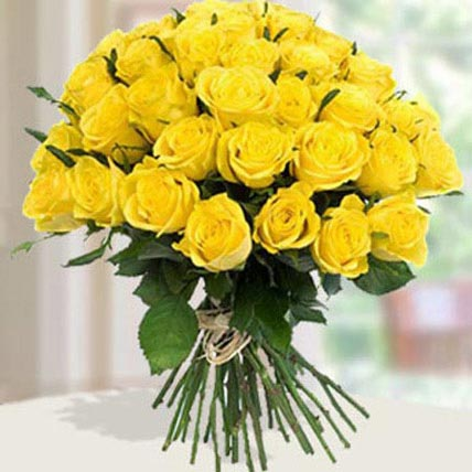 30 Yellow Roses Bouqet EG