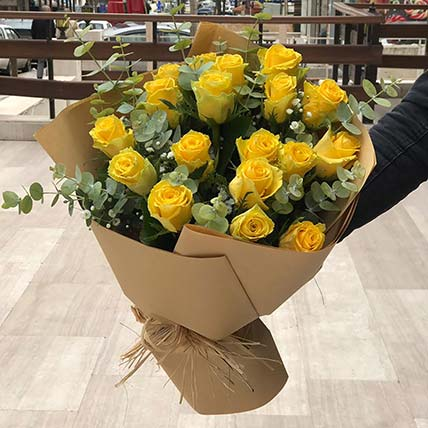 Dazzling Yellow Rose Bouquet