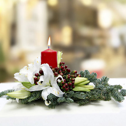 Merry Delivery Centerpiece