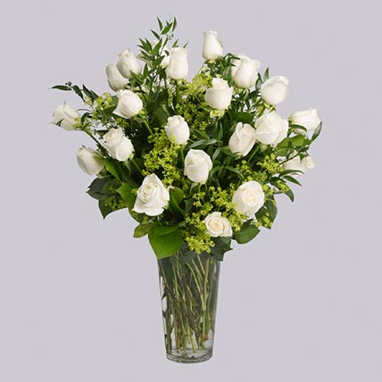 40 Stems Graceful White Roses In Vase