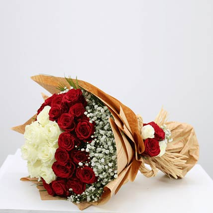 Lovely Red & White Roses Bouquet- Premium