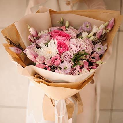 Mesmerizing Flower Bouquet- Deluxe