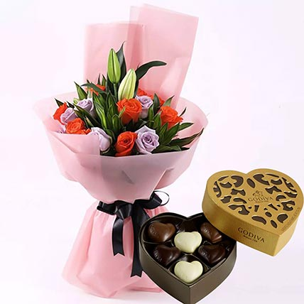 Elegant Flower Bouquet & Godiva Chocolates 250 gms